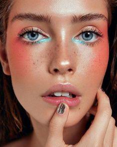 Trendy Makeup Photography Inspiration Hair Ideas - Skin beauty is one of the. - Trendy Makeup Photography Inspiration Hair Ideas – Skin beauty is one of the most sensitive a - Makeup Goals, Makeup Inspo, Makeup Art, Makeup Ideas, Glow Makeup, Glitter Makeup, Makeup Tutorials, 1920 Makeup, Makeup Glowy