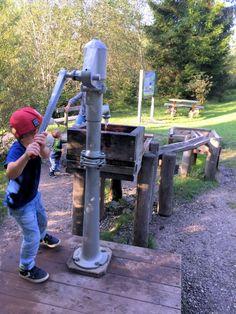 Wasserpumpe Kind Kreuth