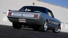 Classic Cars – Old Classic Cars Gallery Ford Mustang Coupe, 1966 Ford Mustang, Mustang Fastback, Car Ford, Ford Mustangs, Classic Mustang, Ford Classic Cars, Vintage Mustang, Pony Car