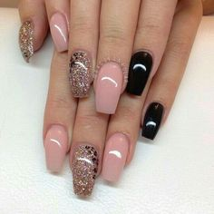 Uploaded by cristiane. Find images and videos about nails, black and pink on We Heart It - the app to get lost in what you love.