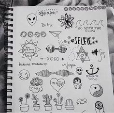 Imagem de drawing, grunge, and draw doodles Small Drawings, Doodle Drawings, Doodle Art, Easy Drawings, Tumblr Sketches, Art Sketches, Notebook Doodles, Notebook Drawing, Art Inspo