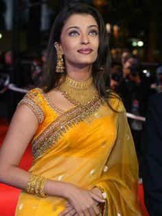 aishwarya rai in yellow saree