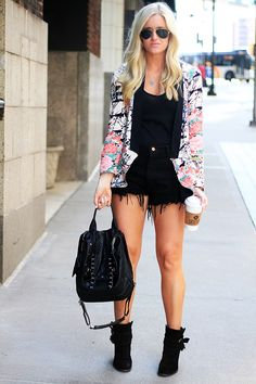 Edgy street style look coming from, Katalina Girl. #fashionblogger #streetstyle #fashion