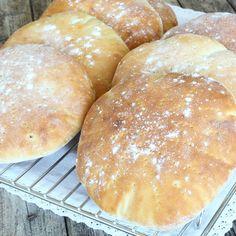 Skärgårdskakor – Lindas Bakskola Bread Recipes, Cake Recipes, Savoury Baking, Bread Bun, Piece Of Bread, How To Make Bread, Bread Making, Hot Dog Buns, Baked Goods