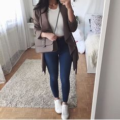 Best Outfits chic fashion outfits ideas casual work clothes womens fashion amazing clothes how to wear casual outfits Teen Fashion Outfits, Mode Outfits, Stylish Outfits, Winter Outfits, Summer Outfits, Womens Fashion, 50 Fashion, Winter Fashion, Ropa Semi Formal