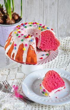 różowe ciasto drożdżowe