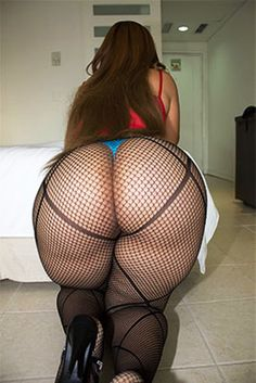 Bbw girl showing big ass