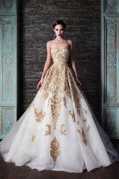 Cheap bridal gown, Buy Quality fashion bridal gowns directly from China gold wedding dress Suppliers: Fashion Vestidos White And Gold Wedding Dresses 2017 Rami Kadi Sweetheart Beaded Applique Tulle Floor Length Formal Bridal Gown Evening Dresses, Prom Dresses, Formal Dresses, Formal Prom, Dress Prom, Party Dress, Long Dresses, Blush Dresses, Dresses 2014