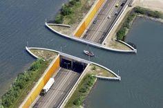 В Голландии построили водный мост, ломающий все законы физики - Хартия'97 :: Новости из Беларуси - Белорусские новости - Республика Беларусь - Минск