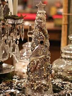 Love this! Tutorial on how to make this gorgeous tree from vintage jewelry!