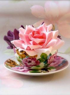 arreglo_floral_07 Vintage Tea Parties, Osho, Cup Cup, Teacup Flowers, Rose Flowers, Sugar Flowers, Pink Roses, Teacups, Cup Cakes