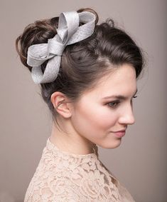 Items similar to Silver bow headpiece, wedding millinery fascinator, sinamay fascinator on Etsy Bridal Fascinator, Fascinator Hats, Headpiece Wedding, Fascinators, Headpieces, Bridesmaid Hair Accessories, Bridal Accessories, Party Hairstyles, Wedding Hairstyles
