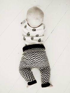 Lämmin ilo: Babypantsit / OHJE Knitting For Kids, Crochet For Kids, Diy Crochet, Baby Knitting, Crochet Baby, Clothing And Textile, Diy Clothing, Baby Girl Dresses, Toddler Outfits