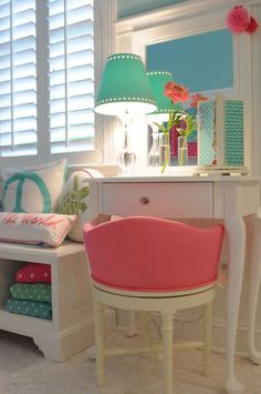 House of Turquoise: TR Building Remodeling - cute big girl/teen girl room House Of Turquoise, Pink Turquoise, Aqua, Teen Girl Bedrooms, Little Girl Rooms, Preteen Girls Rooms, Preteen Bedroom, Teen Rooms, Bedroom Boys