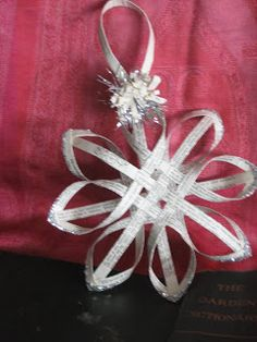 House Revivals: Make a Woven Star from Vintage Book Pages, Tutorial Part Three