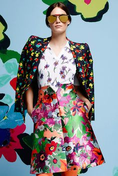 Thom Browne - Resort 2015 Trend Report: Tie-Dye, Psychedelic Florals, Midi Skirts, and Floral Fashion, Colorful Fashion, Fashion Prints, Moda Floral, Moda Fashion, Fashion Show, Fashion Design, Classic Fashion, Runway Fashion