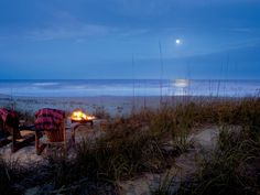 The fine folks at the Ritz-Carlton Amelia Island will set up a private fire pit, complete with blankets, among the dunes for guests. We can't think of anything more glamorous than that.