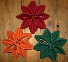 Tables origami and d coration on pinterest - Pliage de serviette pour noel etoile ...