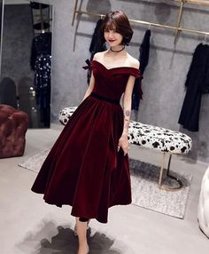 Burgundy short prom dress, burgundy evening dress - 2020 New Prom Dresses Fashion - Fashion Of The Year Dresses Elegant, Stylish Dresses, Pretty Dresses, Beautiful Dresses, Fashion Dresses, Formal Dresses, A Line Dress Formal, Short Dresses, Simple Dresses