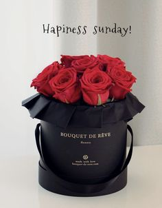 The perfect gift 🎁 ❤️ 🌹 . Happy Sunday Morning, Happy Sunday Quotes, Morning Wish, Happy Day, Good Morning Images, Good Morning Quotes, Greetings Images, Couple Romance, Morning Greeting