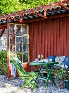 Swedish Cottage, Red Cottage, Swedish House, Garden Cottage, Diy Pergola, Pergola Design, Garden Furniture, Outdoor Furniture Sets, Outdoor Decor