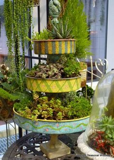 New way to use old cake pans...as a stacked plante...