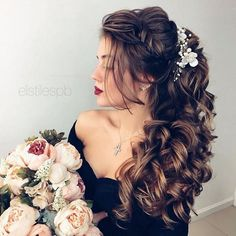 Wedding Hair Down Beautiful bridal hair down - wedding hair down,bridal hairstyle,wedding hairstyles - The best Half-Up, Half-Down Wedding Hairstyles for brides and bridesmaids. Apart from those stunning wedding updos wedding hair down is the best choice Bridal Hair Down, Bridal Hair Updo, Wedding Hair Down, Wedding Hair Pins, Wedding Hair And Makeup, Wedding Updo, Wedding Hair Accessories, Wedding Bride, Wedding Rings