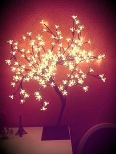 Lovely light tree from A Loja Do Gato Preto