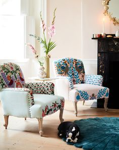 Vibrant flora and fauna lend a whimsical aesthetic to these plush Jimena Occasional Chairs - April 21 2019 at Home Decor Trends, Diy Home Decor, Room Decor, Decor Ideas, Home Decoration, Cute Dorm Rooms, Cool Rooms, Küchen Design, Interior Design