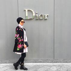 "242 Likes, 1 Comments - Hijab Fashion Designers (@hijabfashiondesigners) on Instagram: ""#hijabfashiondesigners"""