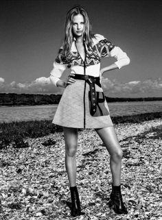 Elisabeth Erm By Victor Demarchelier For Vogue Spain January 2015 As 'Juegos de invierno'