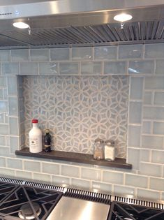 Modern Kitchen Planning a kitchen renovation? Check out our top 6 tips for choosing the perfect kitchen backsplash. - Planning a kitchen renovation? Check out our top 6 tips for choosing the perfect kitchen backsplash. Kitchen Tiles Backsplash, Farmhouse Kitchen, New Kitchen, Kitchen Renovation, Handmade Tiles, Kitchen Remodel, Modern Kitchen, Kitchen Backsplash, Kitchen Inspirations