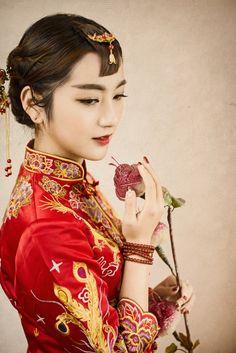 Chinese dress - cheongsam/qipao