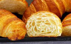 Un condominio in cucina: Croissant francesi alla francese con poolish, e mamma li turchi