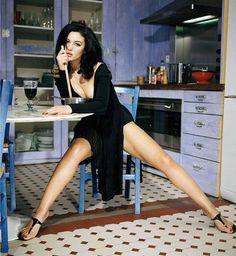 Monica-Bellucci-Feet-2290005.jpg (750×816)