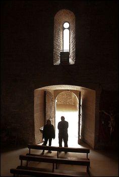 Usuario: juanes (España) - En busca de la cripta perdida - Tomada en Monasterio de Cellers, Torà ( Lleida ) el 12/03/17
