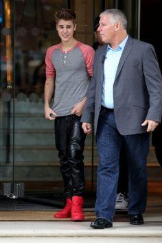 Justin Bieber Enjoys the Langham Hotel in London