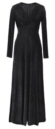 plain black velvet gown <3