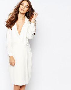Pin for Later: 90 Robes Pour un Mariage Civil Stylé et Romantique  Neon Rose - Robe cache-cœur style 70's à décolleté plongeant - Blanc (54€)