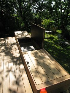 Intégrer un coffre de rangement dans sa terrasse en bois deck wood happax