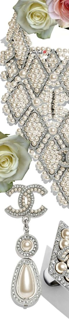 Chanel Jewelry, Pearl Jewelry, She Was Beautiful, Classy And Fabulous, Vip, Royalty, Fall Winter, Roses, Pearls