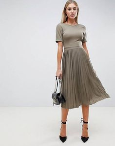 Search for asos design pleated skirt midi dress at ASOS. Shop from over styles, including asos design pleated skirt midi dress. Discover the latest women's and men's fashion online Pleated Midi Dress, Dress Skirt, Bodycon Dress, Midi Dress Work, Girly Outfits, Skirt Outfits, Vintage Outfits, Robes Midi, Girly