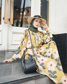 Abaya Fashion, Muslim Fashion, Modest Fashion, Skirt Fashion, Fashion Outfits, Modest Dresses, Modest Outfits, Modest Clothing, Casual Hijab Outfit