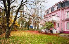HOORAY FOR OLD PINK HOUSES. New Jersey.