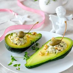 Avocado Filled with Herring. Avocado filled with herring and egg paste with cappers and walnuts (in Polish with translator) Avocado Egg, Seafood Recipes, Zucchini, Gluten Free, Eggs, Vegetarian, Vegetables, Breakfast, Polish