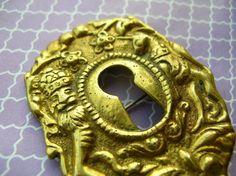Vintage Signed Key Hole Brooch by 2VintageGypsies on Etsy, $10.00 Antique Hardware, Vintage Signs, Antique Jewelry, Vintage Antiques, Vintage Fashion, Brooch, Key, Group, Board
