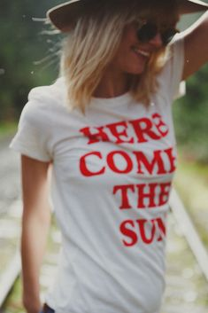 HERE COMES THE SUN CLASSIC #T-SHIRT // ECO IVORY