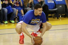 Warriors Handle Bulls Klay Thompson Leads All Scorers on 27th Birthday  Posted: Feb 08, 2017 Klay Thompson, making his 400th career start on his 27th birthday, led all scorers with 28 points. Kevin Durant stuffed the stat sheet with 22 points, 10 rebounds, 7 assists and 3 steals, while Draymond Green added 19 points, 6 assists and 8 boards.
