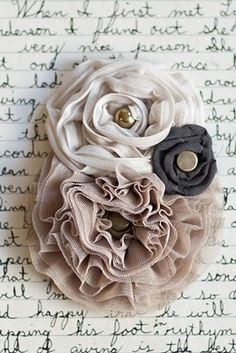 tutorial to make your own fabric flowers.. I LOVE THESE!