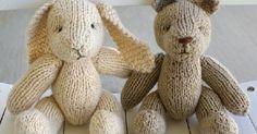 Om jag fortfarandehade haft småbarn springande här hemma så hade jag absolut stickat den här kaninen och björnen till dom. De små kläderna... Crochet Stitches Free, Knit Or Crochet, Free Knitting, Animal Knitting Patterns, Bear Patterns, Knitted Teddy Bear, Textiles, Lovely Creatures, Knitted Animals